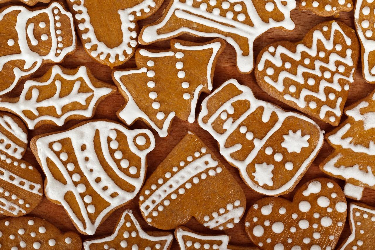 Galletas de jengibre con motivos navideños