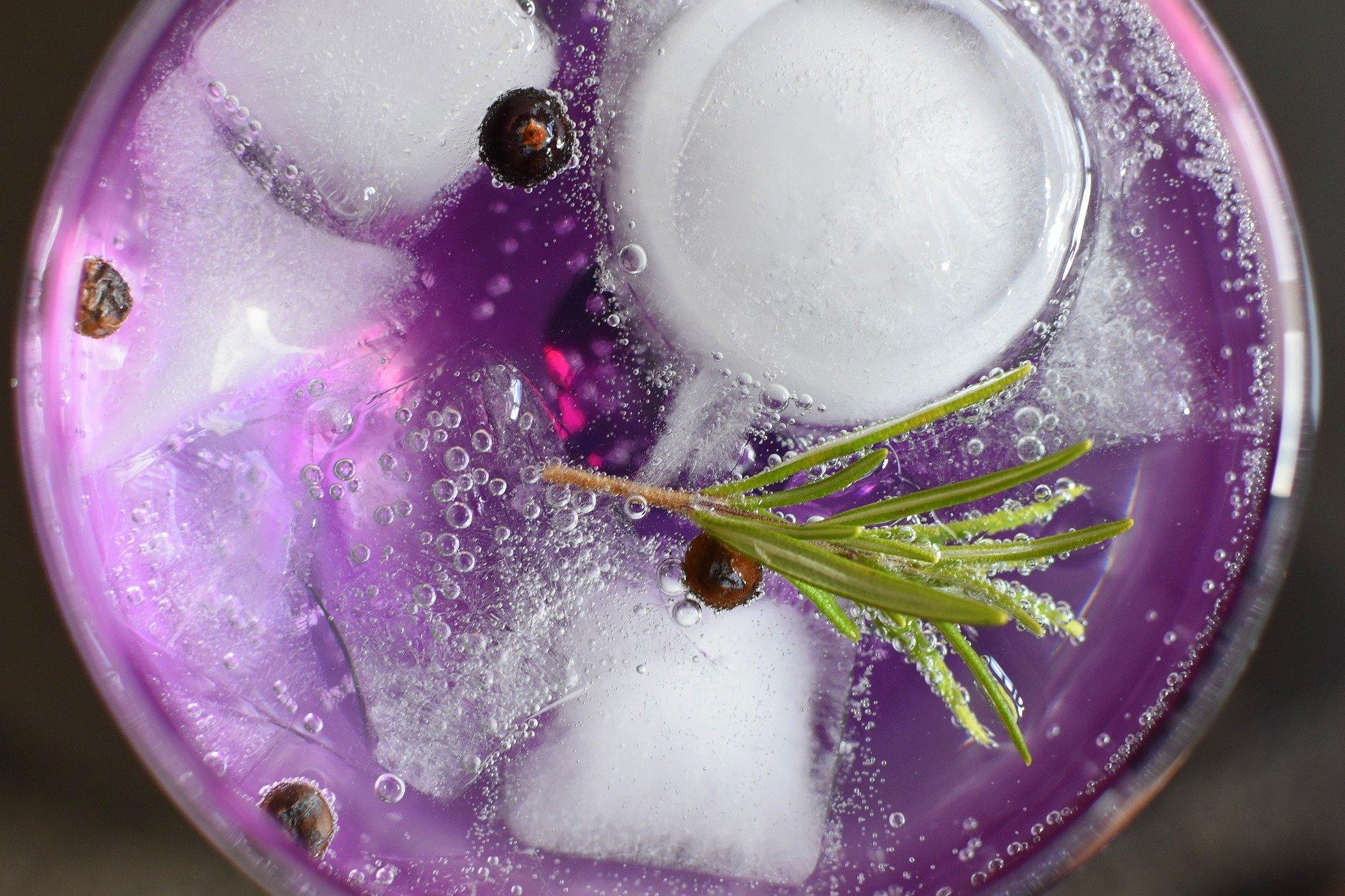 El gin tonic es un buen clásico para los postres