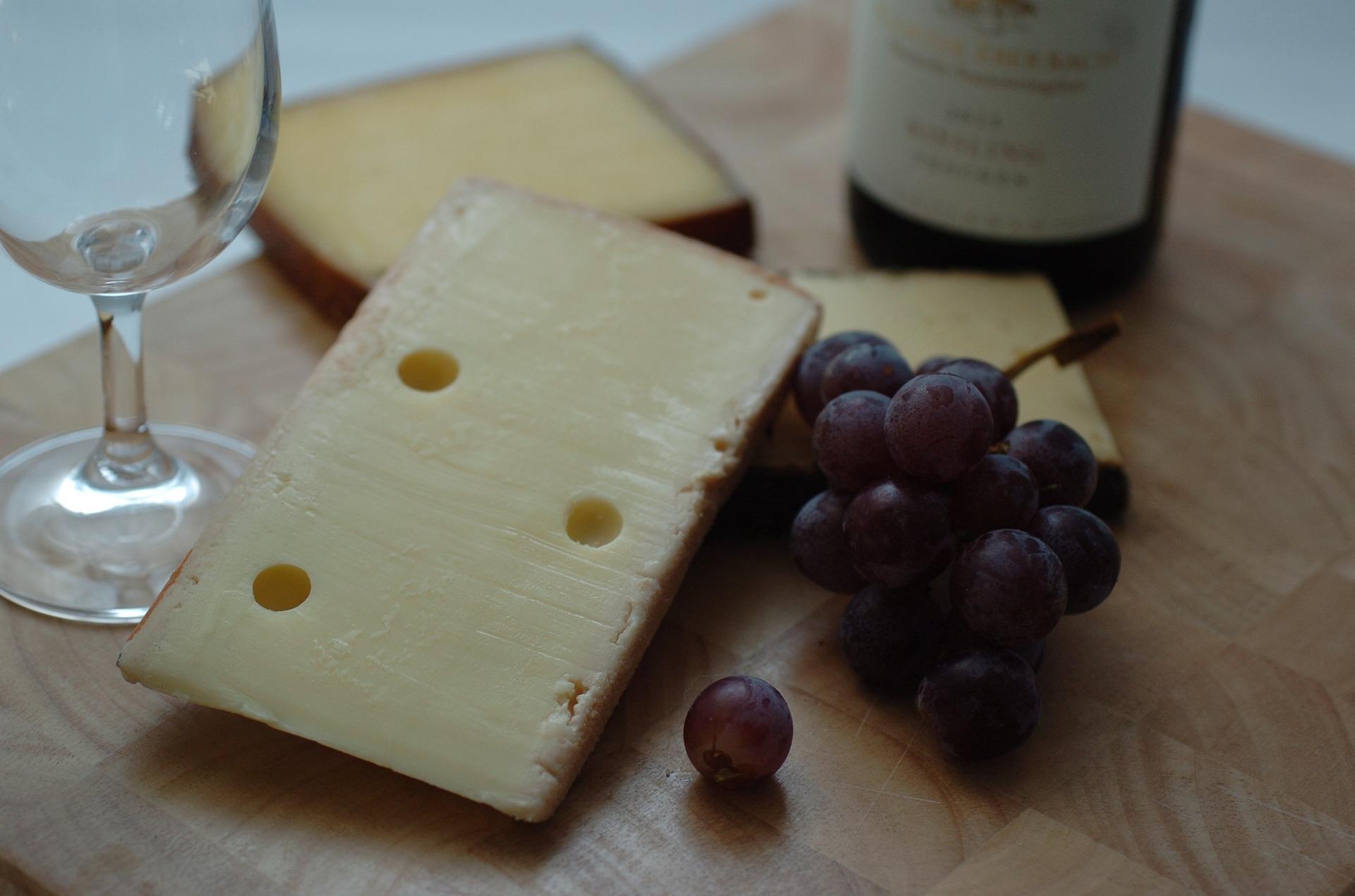 El vino tinto siempre va mejor con quesos fuertes