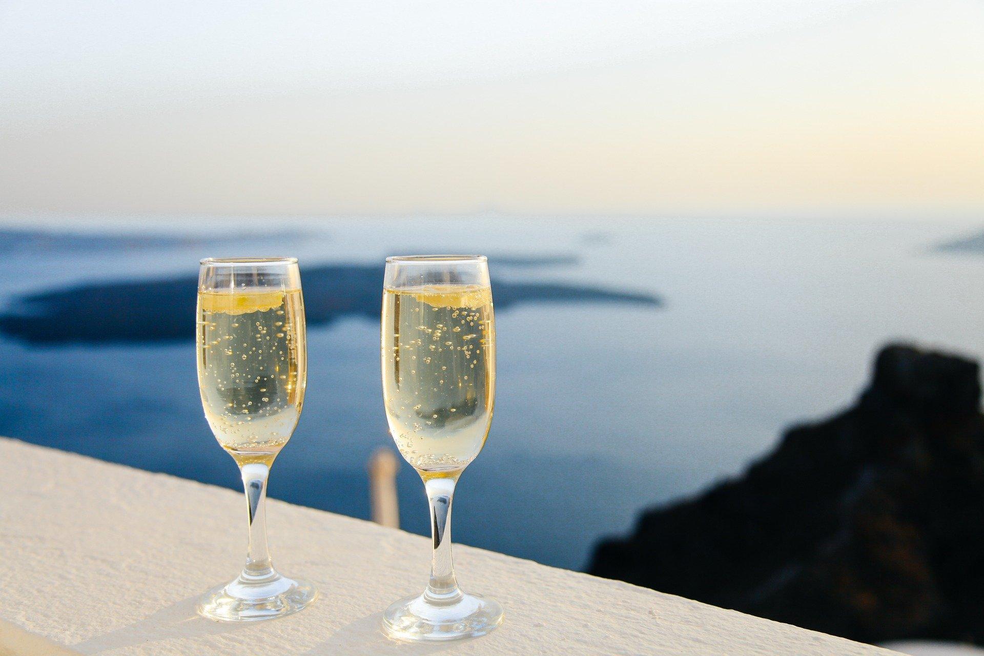 El champagne siempre es un buen aliado para los postres