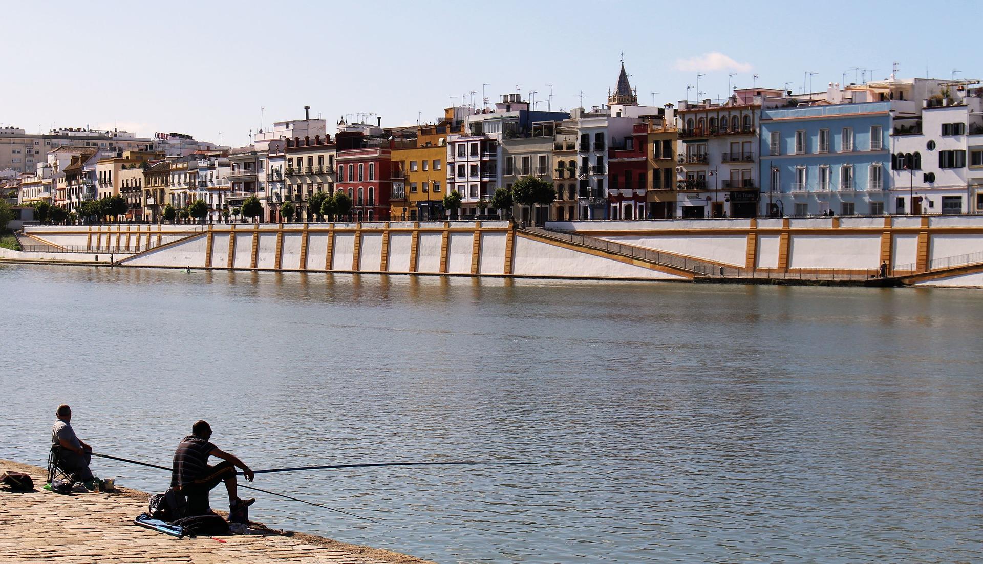 El puente de Triana, en pleno centro de Sevilla