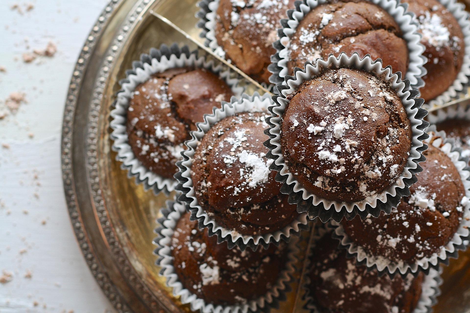 Cupcakes de chocolate, perfectas para disfrutarlas el Día de la Felicidad