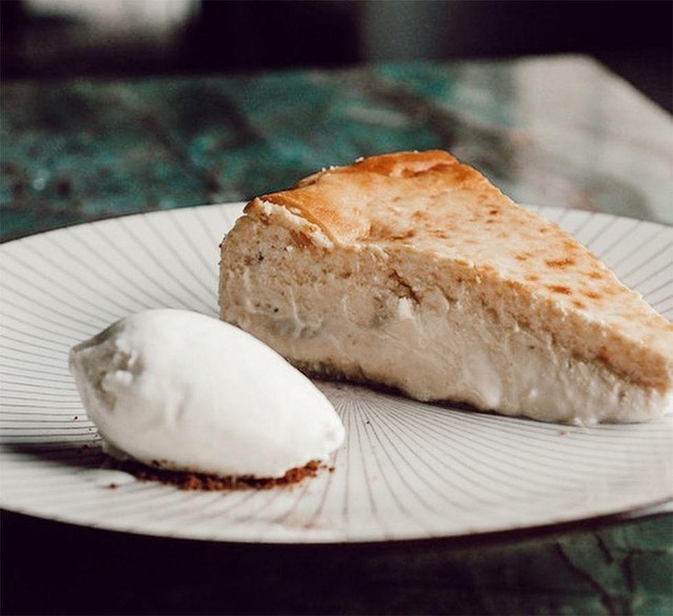 Tarta de queso del famoso restaurante Tatel, en Madrid